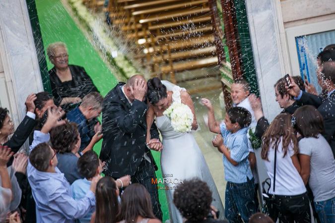 nozze in verde - lancio del riso