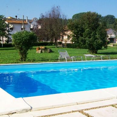 bordo piscina matrimonio 300 persone villa Arezzo