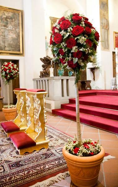 Matrimonio In Bianco E Rosso : Nozze ganze tutto per sposarsi in toscana addobbo chiesa