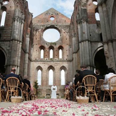 matrimonio chiesa sconsacrata toscana San Galgano