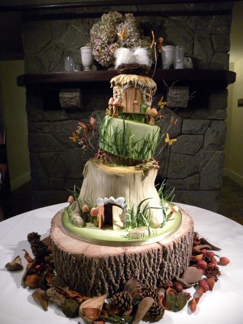 torta nuziale particolare lo Hobbit