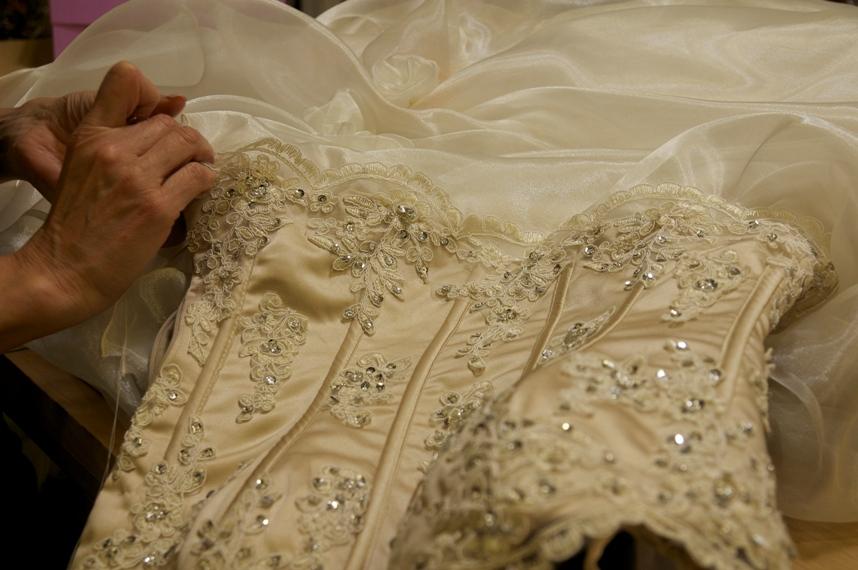 Sartoria Abiti Da Sposa.Nozze Ganze Tutto Per Sposarsi In Toscana L Abito Da Sposa A