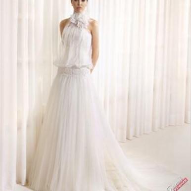 abito da sposa scollo all'americana