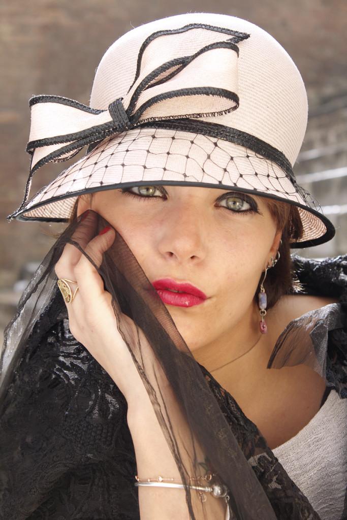 Cappello cloche di sisal con fiocco e veletta 1aa6902e6f6