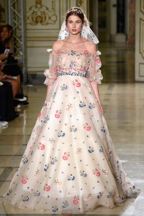 Ganze, tutto per sposarsi in Toscana Labito da sposa con i fiori ...